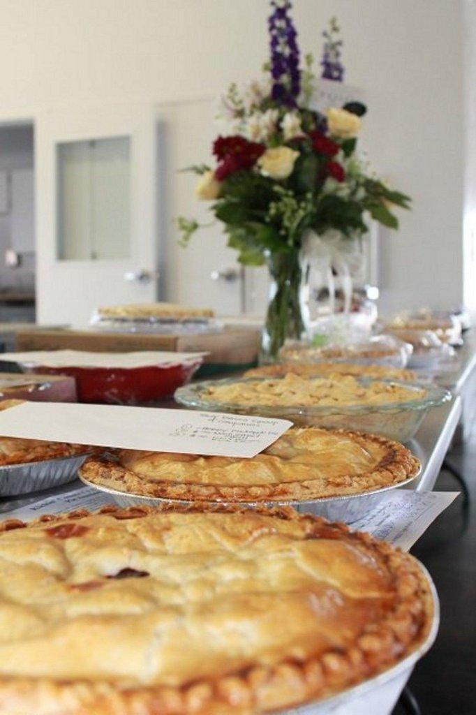 Pie-Auction-005.jpg