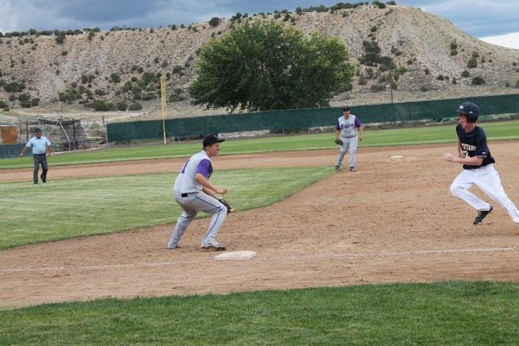 Pinnacle-Baseball-vs-Telos-013.jpg