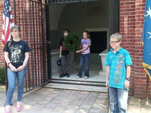 Mount-Vernon-Wreath-Laying-Ceremony1.jpg