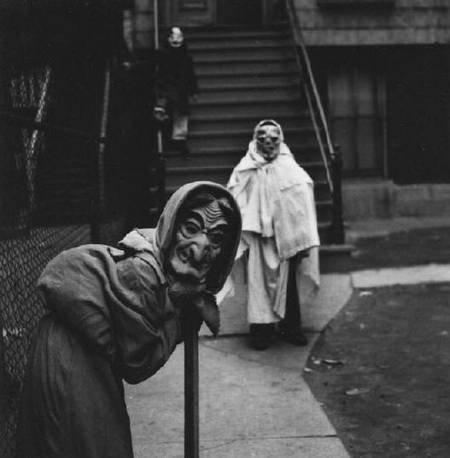 creepy-costume-41.jpg