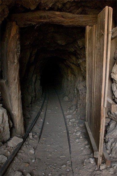 mine-entrance-1.jpg