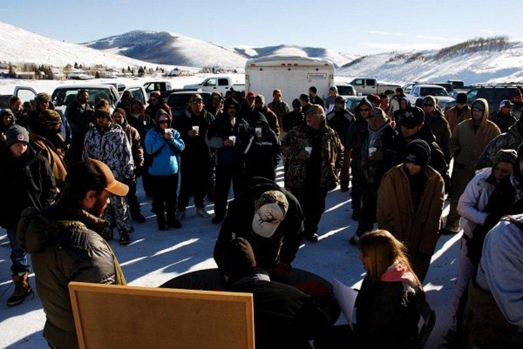 Trifishalon-participants-at-weigh-in-station-12-29-12.jpg