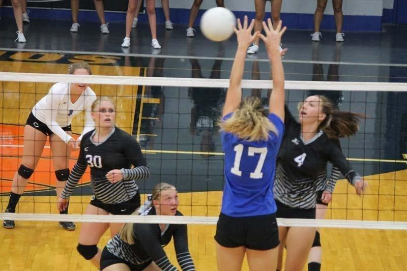 Volleyball Alumni Take On Lady Dinos In Annual Matchup Etv News
