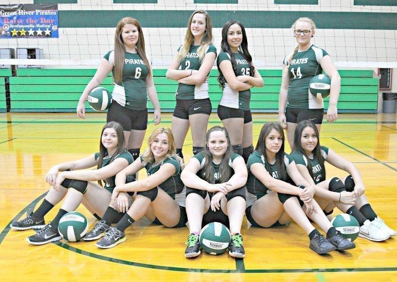 green-river-volleyball-team-photo.jpg