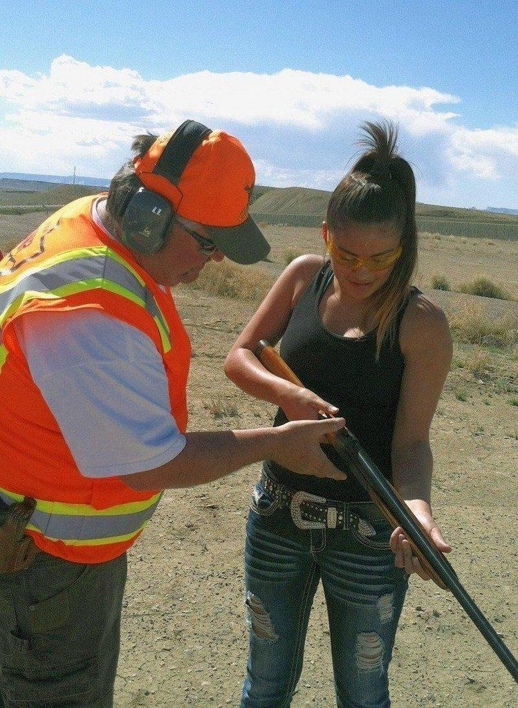 Walt-Maldonado-teaches-young-lady-about-shotgun-handling-in_Green_River.jpg