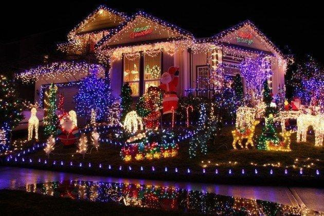 christmas-house-decorations-2fswwykd.jpg