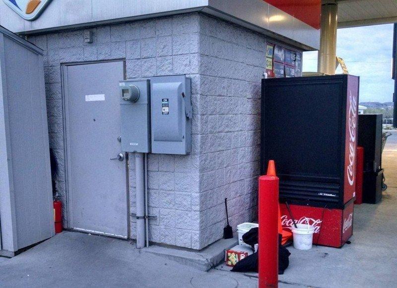 Back-of-Smiths-Fuel-Center-kiosk.jpg