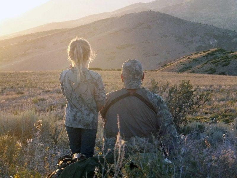 brandon_ivory_8-10-2016_father_and_daughter_archery_hunting.jpg