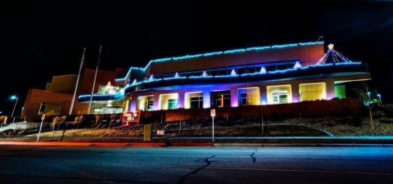 Admin-building-christmas-lights.jpg