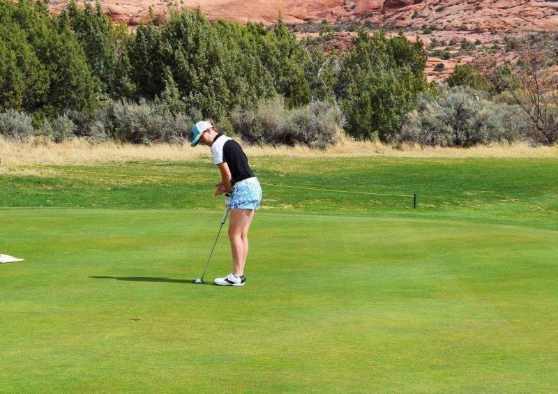 EHS-Girls-Golf-Photo-1.jpg
