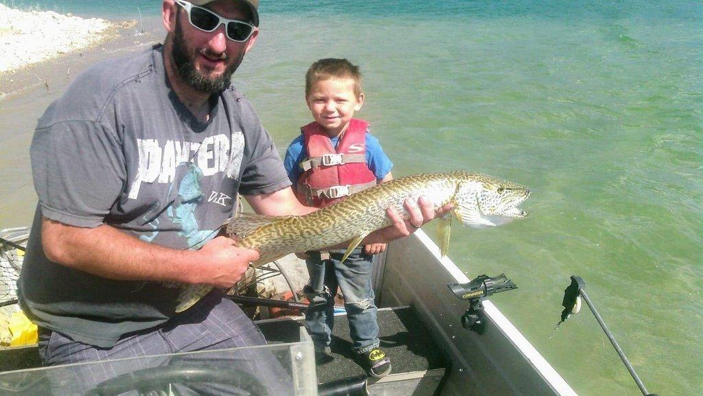 Toney-Vessels-5-year-old-Tj-caught-this-at-Joes-Valley-36-in.jpg