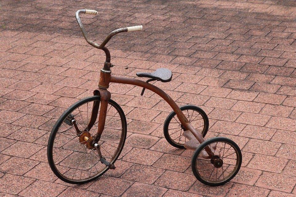 tricycle-1057610_960_720.jpg