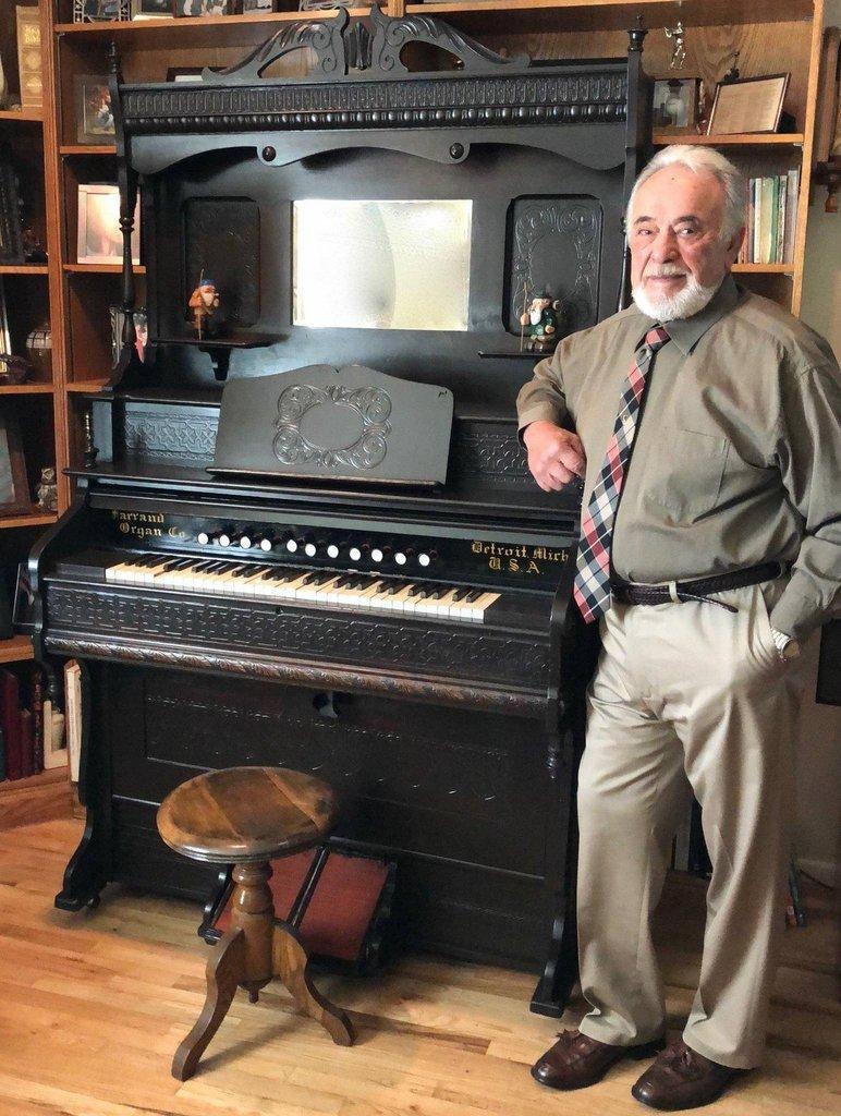 Restored-organ-with-Mario-Lopez-in-2019.jpg