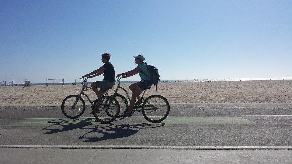 bike-ride-1419144_960_720.jpg