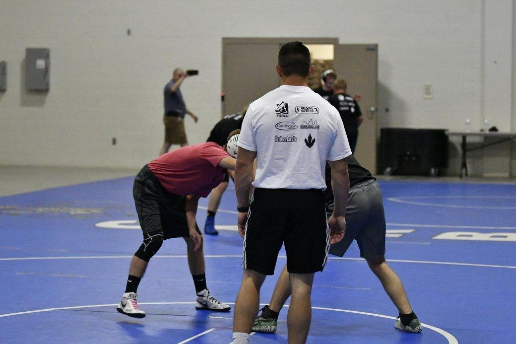 Standing Star Wrestling Clinic Schools Local Wrestlers