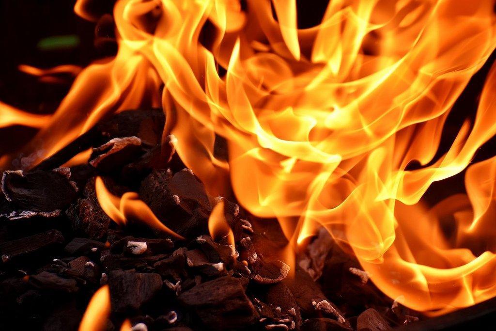 fire-2777580_1920.jpg
