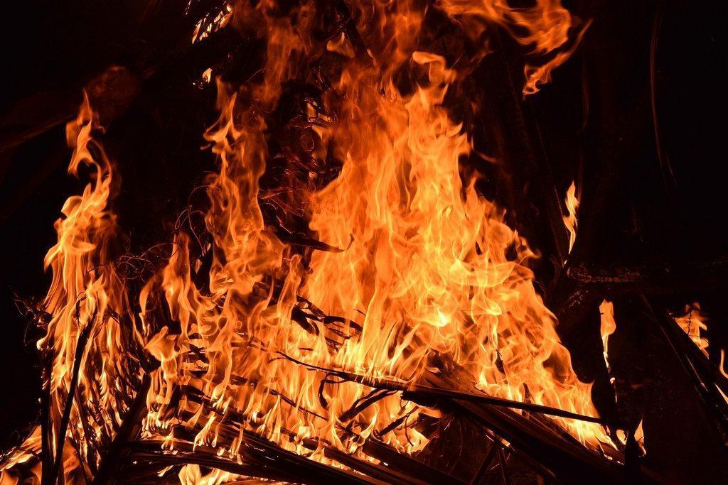 fire-2197606_1920-2.jpg
